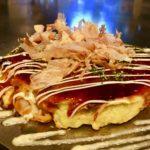"""江別産小麦ハルユタカの""""タネ""""を""""蒸す"""" のがもちふわ食感の秘訣。鉄板の魔術師のお好み焼きが旨すぎる。"""