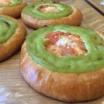【6月30日まで限定メニュー】アボガトトマトパンが旨いぞ、ピッコベーカリー!